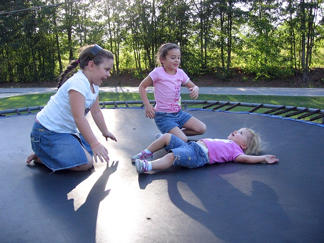How to Entertain Kids to Stay on Trampoline. Trampoline Games